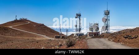 Höhe Getriebe Turm für Haleakala Observatorium auf dem Gipfel des Haleakala Vulkan, Maui, Hawaii, USA verwendet - Stockfoto