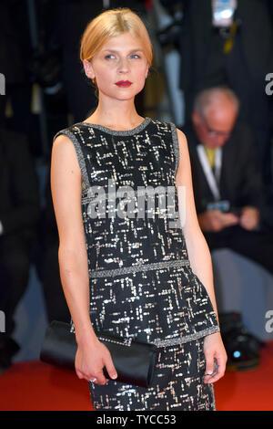 Die französische Schauspielerin Clemence Poesie besucht die Premiere für den Favoriten während des 75. Filmfestival in Venedig Venedig am 30. August 2018. Foto von Paul Treadway/UPI - Stockfoto