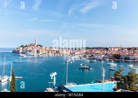 Hafen und dem historischen Zentrum von Rovinj, Istrien, Kroatien - Stockfoto