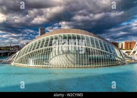 L'Hemisferic Planetarium, die Stadt der Künste und Wissenschaften oder Ciudad de las Artes y las Ciencias, Valencia, Comunidad Valenciana, Spanien - Stockfoto