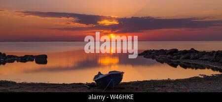 Sonnenuntergang über der Ostsee, Estland - Stockfoto