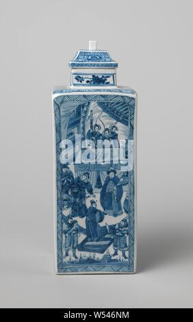 Eckige Flasche mit narrativen Szenen der Krieger in einer Landschaft, eckige Flasche Porzellan, in unterglasur blau lackiert. Längliche Kartuschen an den Wänden mit gepressten Ecken an der Spitze mit verschiedenen Kampfszenen: Krieger in einer Landschaft kämpfen, ein Pferd, oder Krieger steht auf einer Terrasse vor einem Tisch, hinter dem Richter sitzen. Eine Band mit Schattierung um die Kartuschen. Auf der Schulter, eine Band mit einem Hakenkreuz Muster und auf dem Hals eine blühende Pflanze, vier Mal. Auf der Unterseite mit einem artemisia Blatt gekennzeichnet. Wit-wit, Jean Theodore Royer, Fú', anonym, China, C. 1675-c - Stockfoto