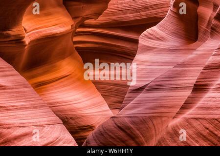 Slot Canyon bekannt als Canyon X, in der Nähe von Page, Arizona, Vereinigte Staaten von Amerika - Stockfoto
