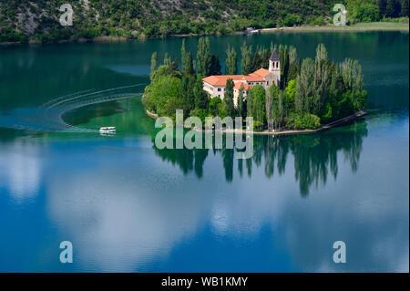 Europa, Europa, Kroatien, Dalmatien, Nationalpark Sibenik-Knin CountyKrka Visovac Kloster, Franziskanerkloster, Insel Visovac,, 30078130 - Stockfoto