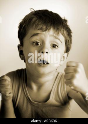 Kind 7 in einem Kampf - Stockfoto