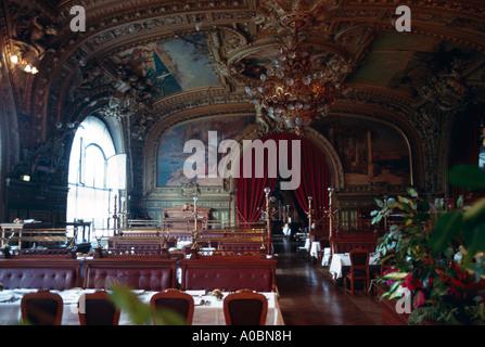 Restaurant Le Train Bleu Interieur Paris - Stockfoto