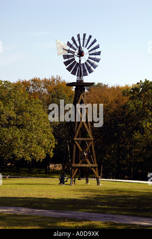 alte Windmühle - Stockfoto