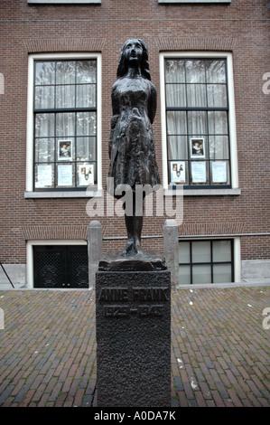 Statue von Anne Frank, Amsterdam - Stockfoto
