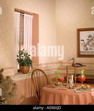 ... Zimmer Innen Tapete Lkitchen Speisesaal Sitzen Küche Ecke Esstisch Set  Für Zwei Essen Trinken Bloody Marys