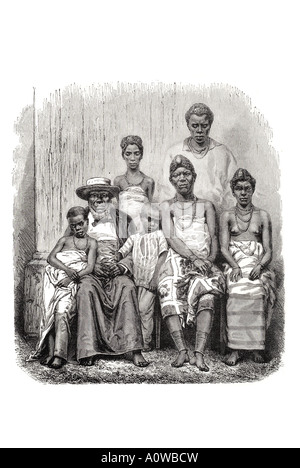 Gabun Gabun Gabun Afrika African Chef Kringer-Familie erweitert Frau Kinder Pose saß Sit sitzen formalen Führer - Stockfoto
