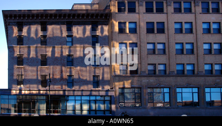 Bürogebäude erstellen ein abstraktes Muster - Stockfoto