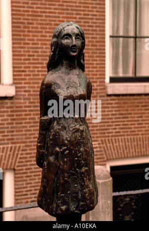 Statue von Anne Frank, Anne Frank Statue, Statue, Anne Frank, Annefrankhuis, Okkupation, Westermarkt, Amsterdam, - Stockfoto