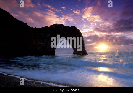Durdle Door in der Abenddämmerung Dorset UK - Stockfoto