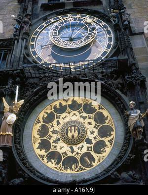 astronomische Uhr in der Innenstadt von Prag Tschechische Republik Europa. Foto: Willy Matheisl - Stockfoto