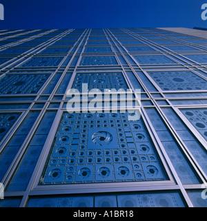 Institut du Monde Arabe, Paris. Detail der Südfassade. NICHT ZUR VERÖFFENTLICHUNG IN FRANKREICH. Architekt: Jean Nouvel Stockfoto