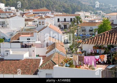 Mijas Costa del Sol Spanien Blick über Dorfhäuser - Stockfoto