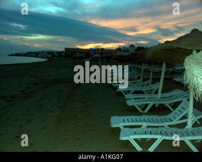 Sonnenliegen Am Sonnenuntergang La Cala Strand Spanien Spanisch La