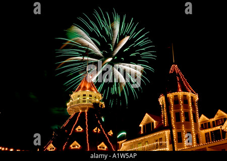Feuerwerk über dem Hotel Del Coronado Coronado Kalifornien USA - Stockfoto