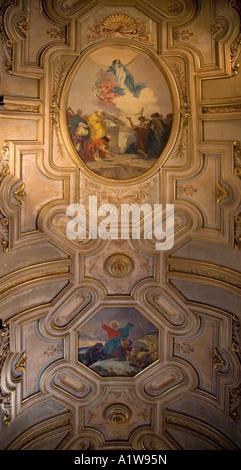Einer der die kunstvollen Deckenmalereien von die Catedral Metropolitana, Santiago, Chile - Stockfoto