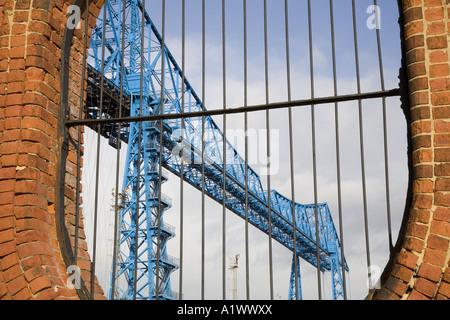 Tees Transporter Bridge, oder die Middlesbrough Transporter Aerial Transfer Ferry Bridge ist die am weitesten stromabwärts gelegene Brücke über den Fluss Tees, England