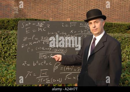 Stadt Gent an der Tafel mit komplexen Gleichungen - Stockfoto