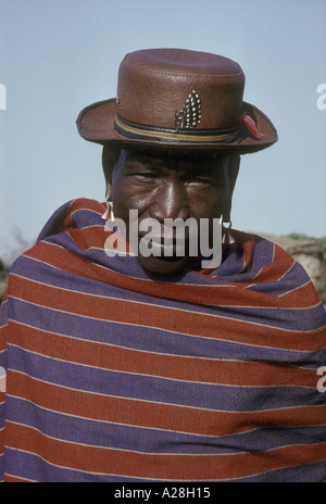 Porträt von Maasai älterer oder Alter Mann Kenia in Ostafrika - Stockfoto