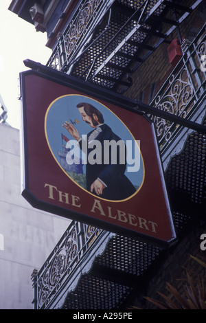 Das Albert-Pub Victoria Street London England UK Europe - Stockfoto