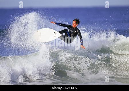 Horizontalen Schuss von Surfer Surfen - Stockfoto