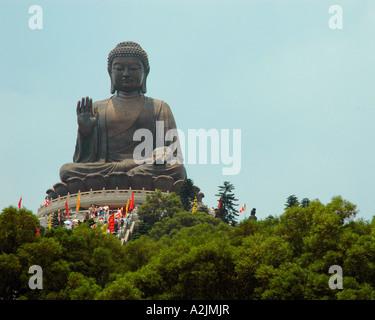 Auch genannt der Tian Tan Buddha, ist der Giant Buddha die höchste und einzige Norden gegenüber sitzenden (im Freien) - Stockfoto