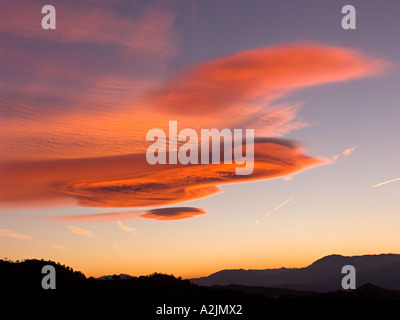 Lentikularwolkenformationen in Andalucia, Spanien - Stockfoto