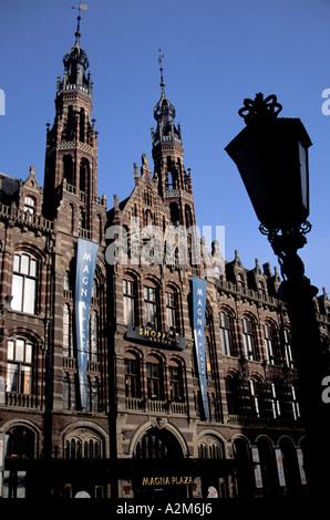 Europa, Niederlande, Holland, Amsterdam, das Einkaufszentrum Magna Plaza - Stockfoto