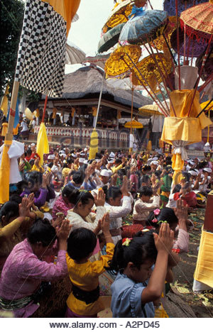 Tempelfest oder Odalan in Taman Pule-Tempel in das Dorf Mas in Bali, Indonesien - Stockfoto