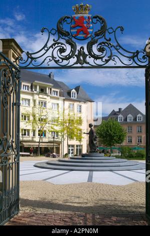 Place Clairefontaine und Statue von Großherzogin Charlotte, Luxemburg-Stadt - Stockfoto
