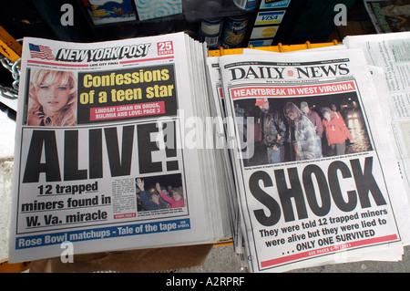 Kontrastierende Schlagzeilen - Stockfoto