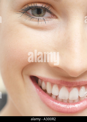 Lächelnde Frau - Stockfoto