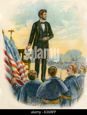 Präsident Abraham Lincoln die Bereitstellung der Gettysburg Address auf dem Schlachtfeld während des Bürgerkriegs - Stockfoto