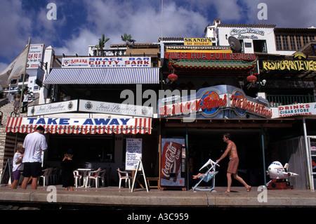 Bars und Restaurants in Playa de las Americas, Teneriffa, Spanien - Stockfoto