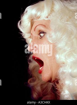 Verängstigte Frau schreien. - Stockfoto