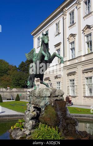 europa sterreich salzburg mirabell garten und schloss hohensalzburg stockfoto bild 5514642. Black Bedroom Furniture Sets. Home Design Ideas