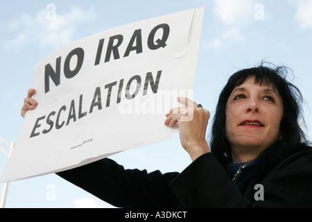 Florida, FL, Süd, Miami Beach, SoBe, Alton Road, Stop Iraq Eskalation, Protest, öffentliche Demonstration, Redefreiheit, - Stockfoto