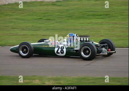 Lotus Rennwagen bei Goodwood Motor Racing Circuit Revival Meeting West Sussex England Vereinigtes Königreich UK - Stockfoto