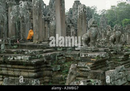 Buddha-Statue am Bayon-Tempel. Bayon ist eines der berühmtesten Sehenswürdigkeiten in komplexen, in der Nähe von - Stockfoto