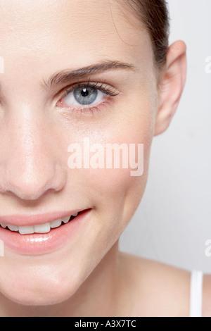 Eine junge Frau s Gesicht Nahaufnahme - Stockfoto