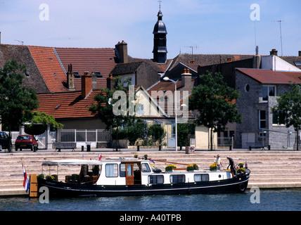 Frankreich Saone Wasserstraßen Kanalschleuse River St Jean de Losne Boot - Stockfoto
