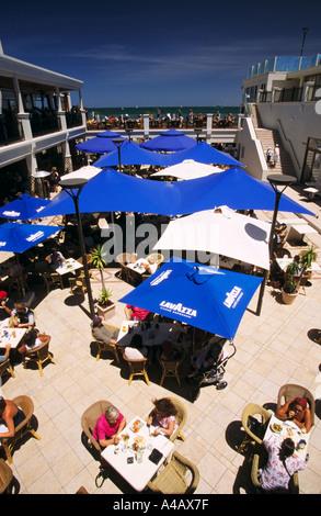 Restaurant St. Kilda Beach Melbourne Port Phillip Bay Victoria Australien vertikal - Stockfoto