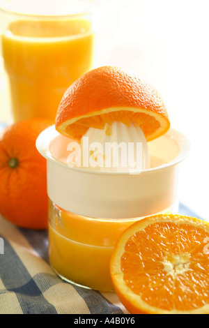 Frisch gepresster Orangensaft - Stockfoto