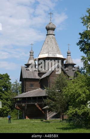 Kirche der Geburt der Jungfrau Maria im Freilichtmuseum Holzarchitektur Vitoslavlitsy in Weliki Nowgorod, Russland - Stockfoto
