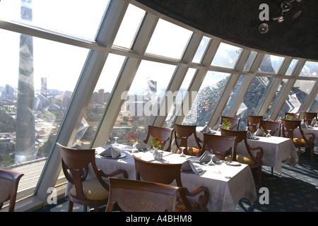 Kuwait - Kuwait Towers Hauptrestaurant mit Blick über die Stadt - Stockfoto
