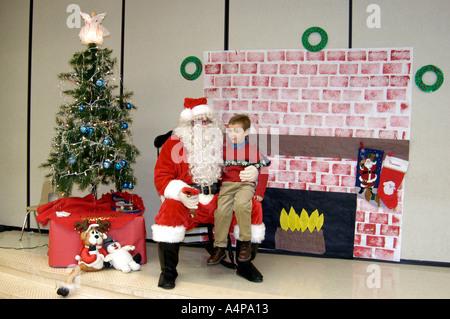 santa will oder braucht sie weihnachten au enillustration gl cklich comic weihnachtsmann auf den