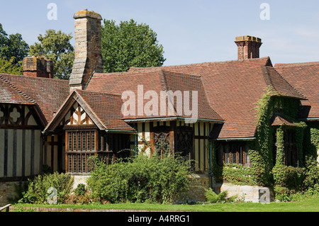 tudor cottages hever castle kent england uk stockfoto bild 1468283 alamy. Black Bedroom Furniture Sets. Home Design Ideas